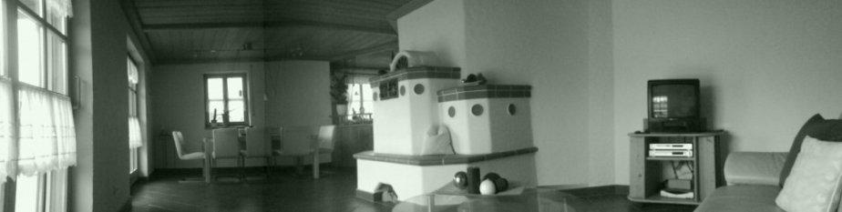 Wohn-und Esszimmer mit Küche