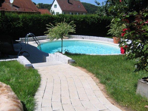 gestaltung um den pool bilder pool garden ideen liegen kykladen antiparos glyfa villa belle. Black Bedroom Furniture Sets. Home Design Ideas