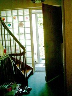 Diele mit Treppe vorher