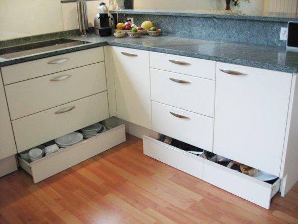 Emejing Küchenschrank Mit Schubladen Pictures - Rellik.us - rellik.us