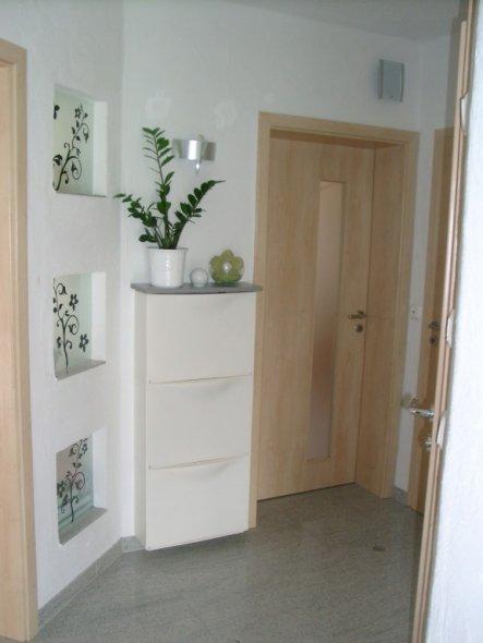flur diele 39 unser kleiner flur 39 chrishome zimmerschau. Black Bedroom Furniture Sets. Home Design Ideas