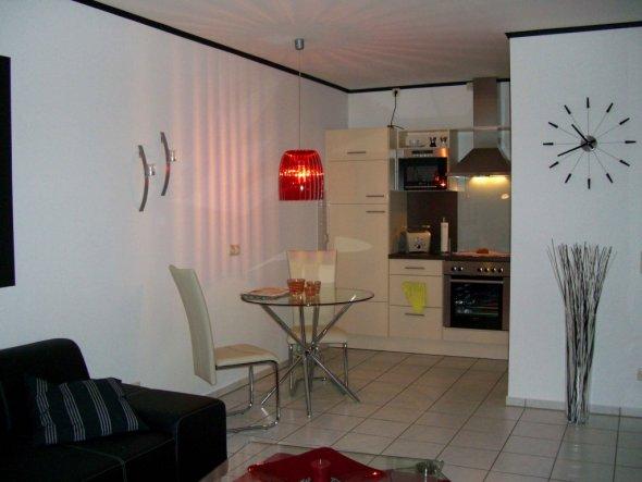 wohnzimmer 39 k che mit wohnzimmer 39 meine kleine feine wohnung zimmerschau. Black Bedroom Furniture Sets. Home Design Ideas