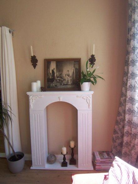 wohnzimmer 39 kaminkonsole 39 claudis chateau zimmerschau. Black Bedroom Furniture Sets. Home Design Ideas