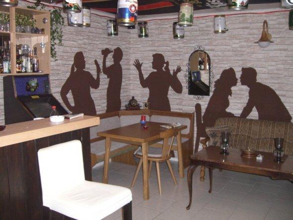 Tipp von flatti: Schattenbilder fürn Partykeller, Kinderzimmer vielleicht auch als Schatten aufm ...