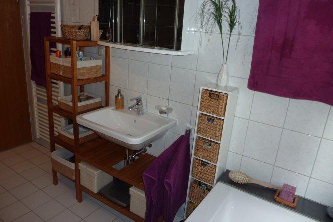 Waschbecken jetzt in weiß und Rechteckig.