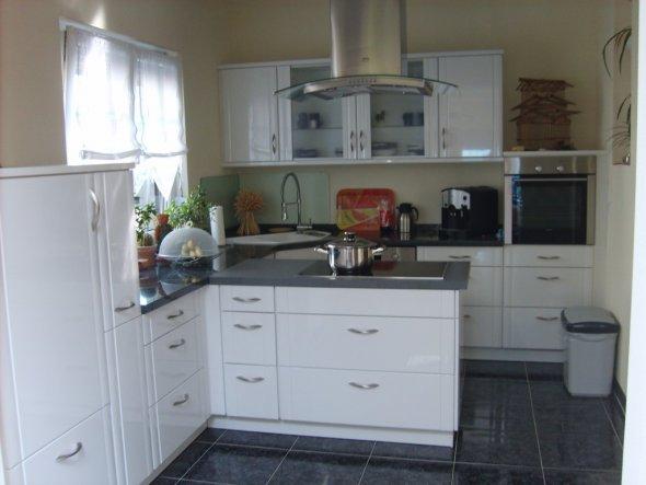 Unsere neue Küche auch wie im Wohnzimmer alles sehr hell gehalten. Wir hoffen es gefällt euch !!