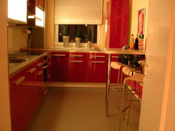 Rot, hochglänzend, Ikea lässt grüssen