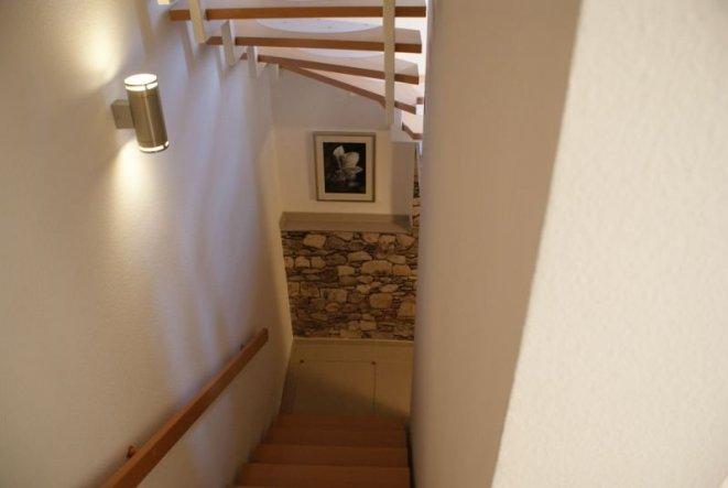 Flur diele 39 vorraum zum keller 39 unser neues zuhause for Keller wandfarbe