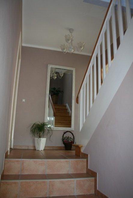 Farbgestaltung treppenhaus einfamilienhaus  Flur/Diele 'Treppenhaus' - Altes Haus in neuem Kleid - Zimmerschau