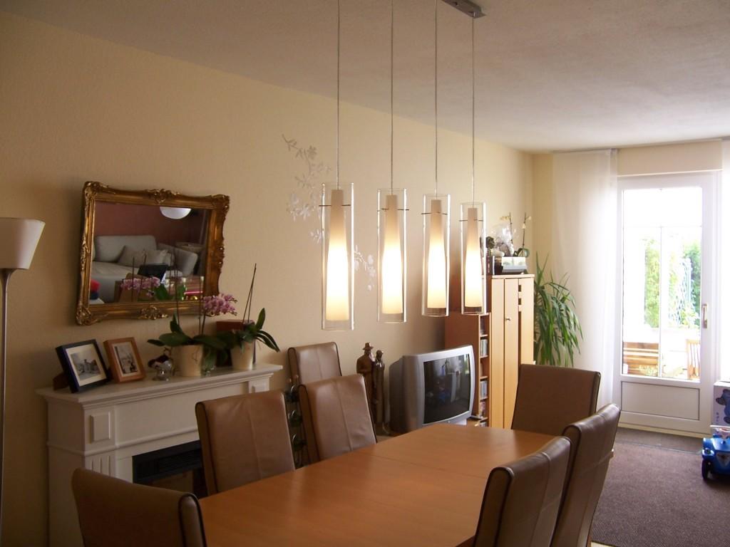 Wohnzimmer 39 wohnzimmer 39 unser reihenh uschen zimmerschau for Esszimmer lampe