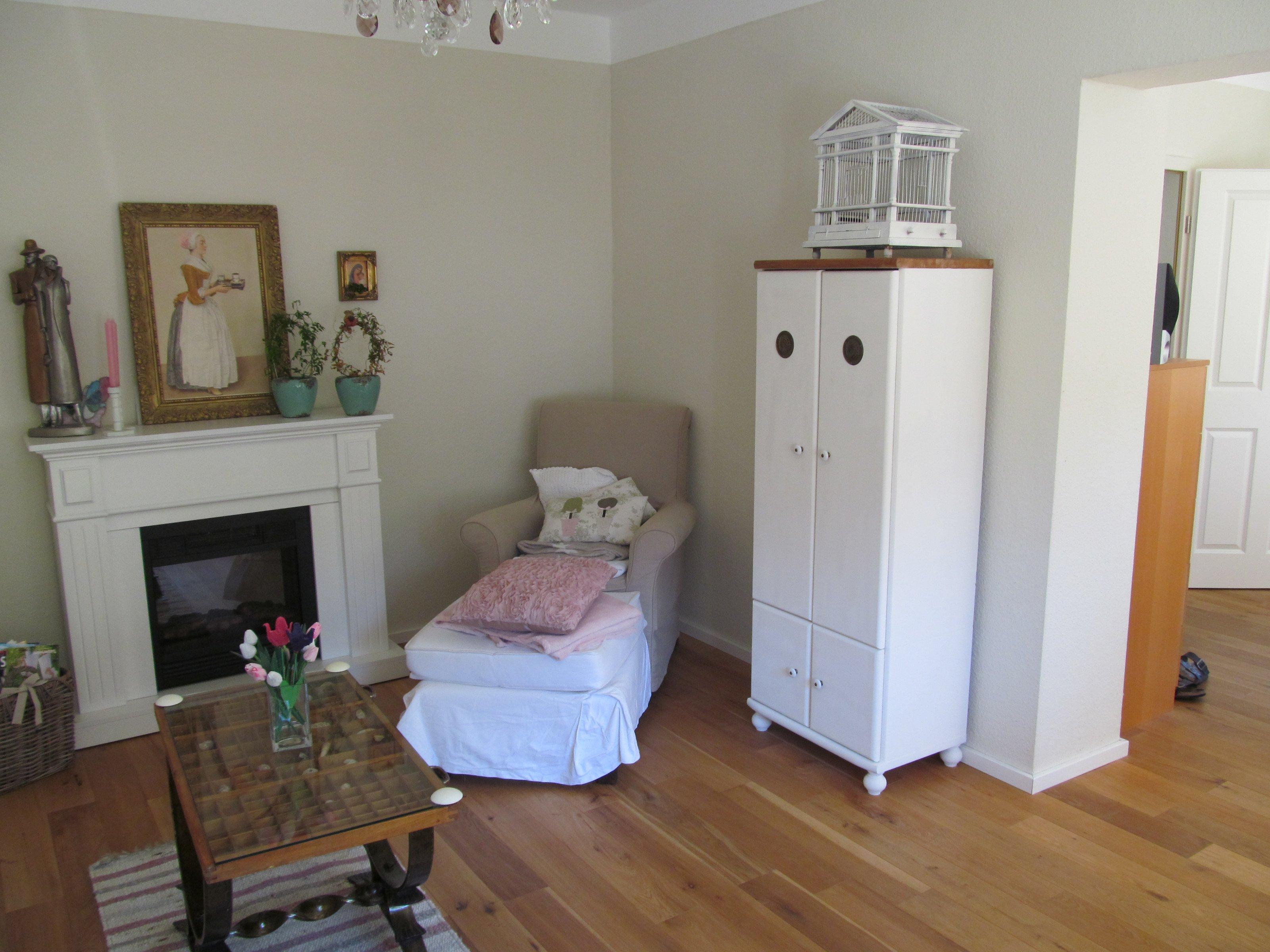 wohnzimmer 39 wohn ess kuschel lese raum 39 unser traumhaus zimmerschau. Black Bedroom Furniture Sets. Home Design Ideas