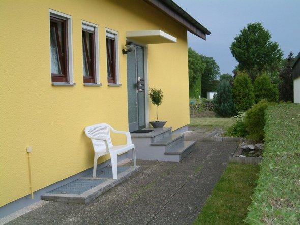 Hausfassade / Außenansichten 'Eingang'