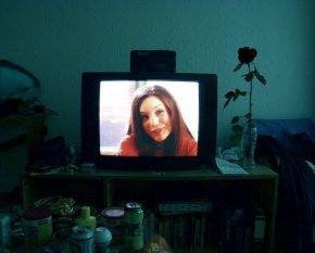 Fernseher in Schlafzimmer