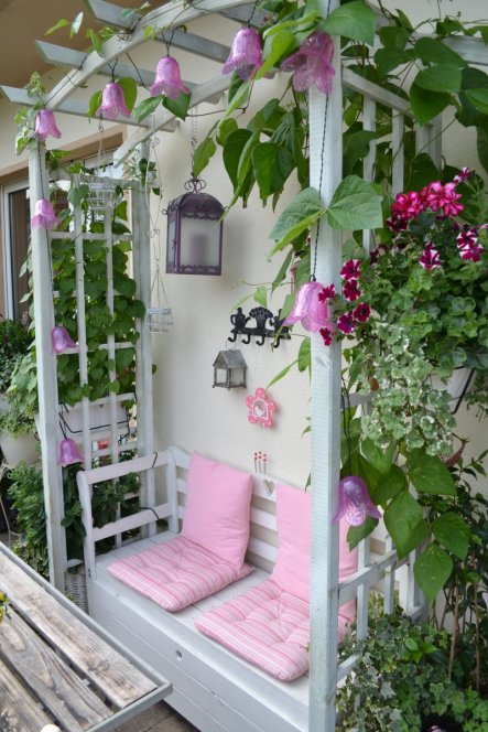 terrasse balkon 39 balkon sickly sweet 39 flowery zimmerschau. Black Bedroom Furniture Sets. Home Design Ideas