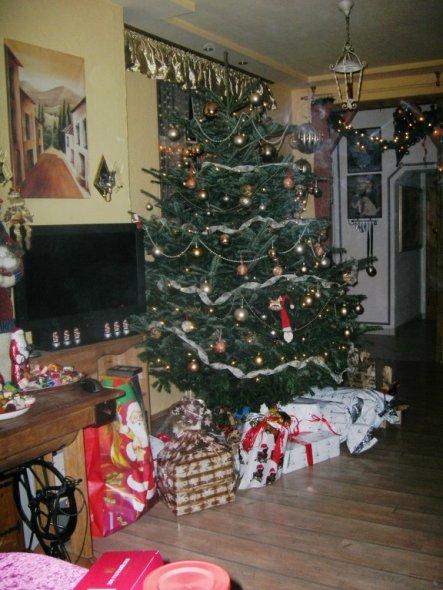 weihnachtsdeko 39 wohnzimmer 39 unser altes haus zimmerschau. Black Bedroom Furniture Sets. Home Design Ideas