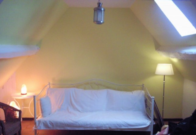 Wohnzimmer gelb weis