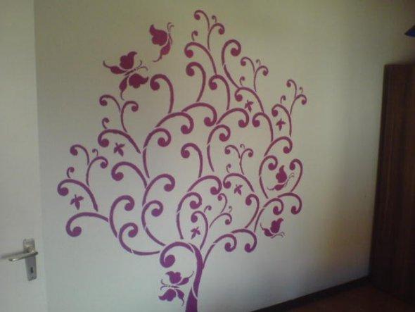 Baum im Schlafzimmer pink