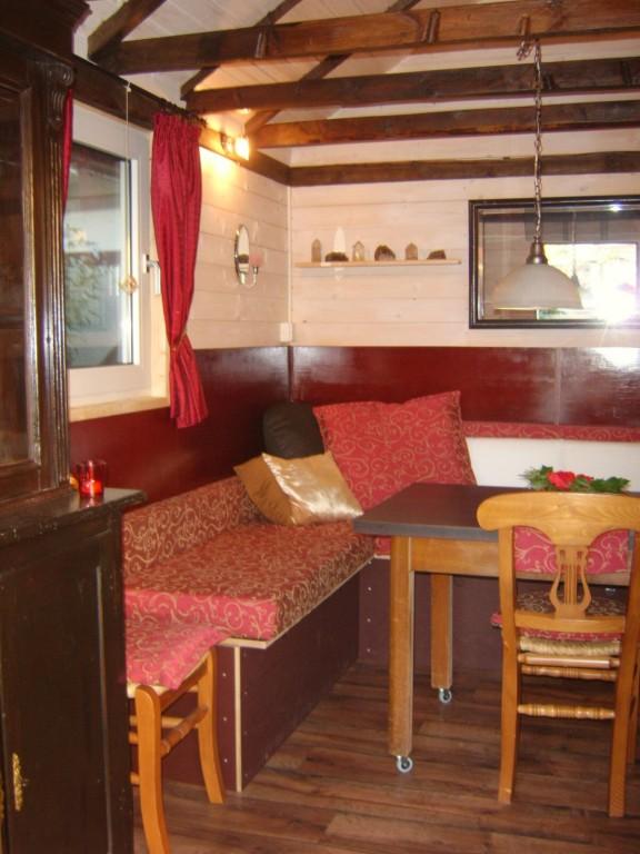 garten 39 das gartenh uschen 39 das gr ne wohnzimmer zimmerschau. Black Bedroom Furniture Sets. Home Design Ideas