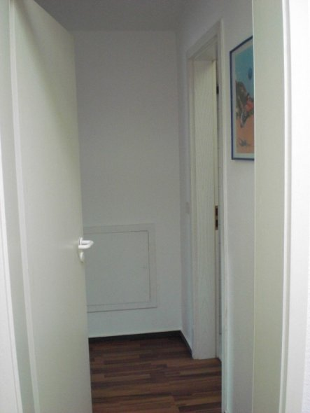 flur diele 39 kleiner flur 39 unsere neue wohnung zimmerschau. Black Bedroom Furniture Sets. Home Design Ideas