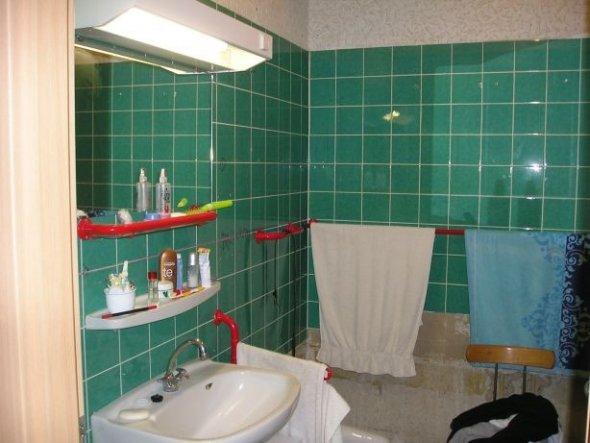 Auf die Wanne habe ich im neuen Bad verzichtet, nimmt mir zuviel Platz weg. Das Bad ist ein Würfel 2,50x2,50x2,50