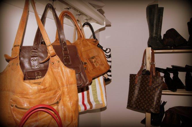 Hobbyraum 'Handtaschen- und Stiefelzimmer'