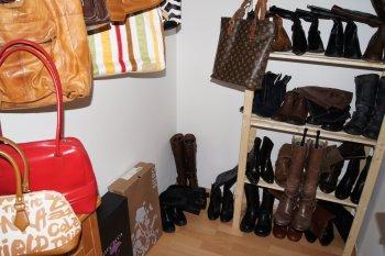 Handtaschen- und Stiefelzimmer