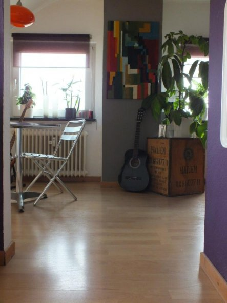 wohnzimmer 39 wohnen 39 frankfurt rock city zimmerschau. Black Bedroom Furniture Sets. Home Design Ideas