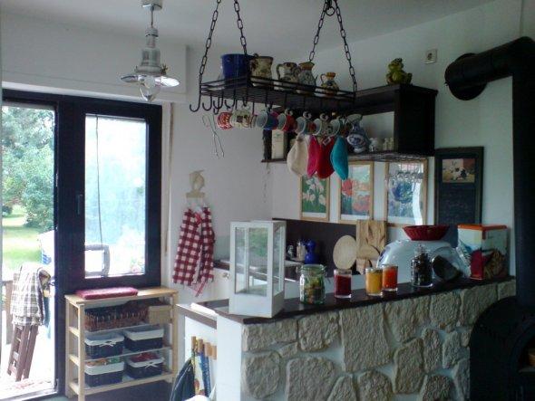 hier die Küche vom Wohnraum aus betrachtet.