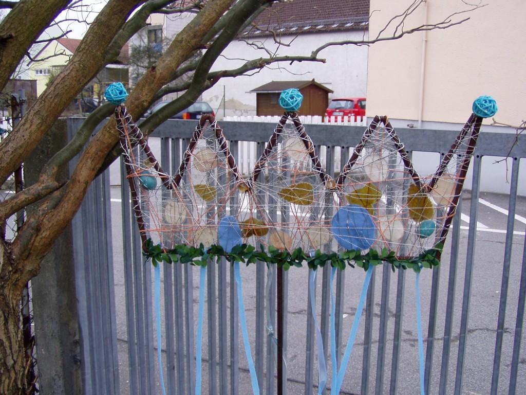 Terrasse balkon 39 fr hlingsdeko 39 fr hling osterdeko for Deko aus eisen