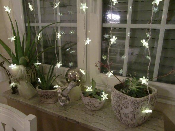 Adventsstimmung an unserem Küchenfenster!!