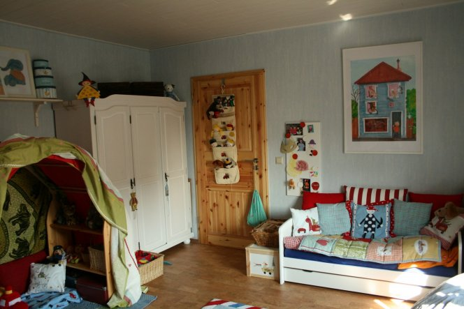 kinderzimmer 39 unser kinderzimmer 39 unser kleines zuhause zimmerschau. Black Bedroom Furniture Sets. Home Design Ideas