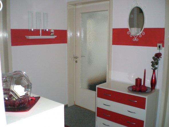 Flur diele 39 rot wei 39 mein domizil zimmerschau - Wandgestaltung rot ...