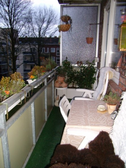 terrasse balkon 39 balkon 39 meine kleine wohnung. Black Bedroom Furniture Sets. Home Design Ideas
