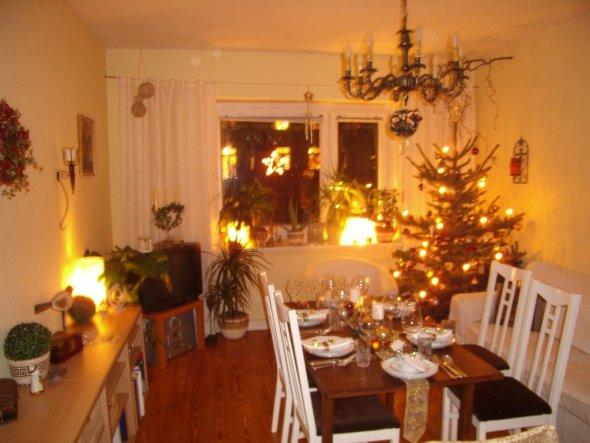weihnachtsdeko 39 mein wohnzimmer 39 meine kleine wohnung zimmerschau. Black Bedroom Furniture Sets. Home Design Ideas