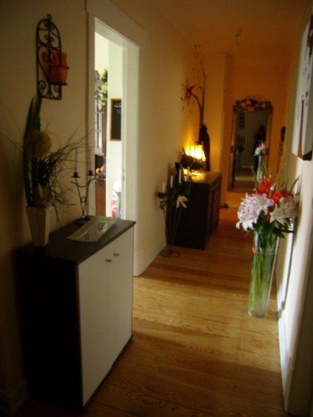 flur diele 39 mein flur 39 meine neue wohnung zimmerschau. Black Bedroom Furniture Sets. Home Design Ideas