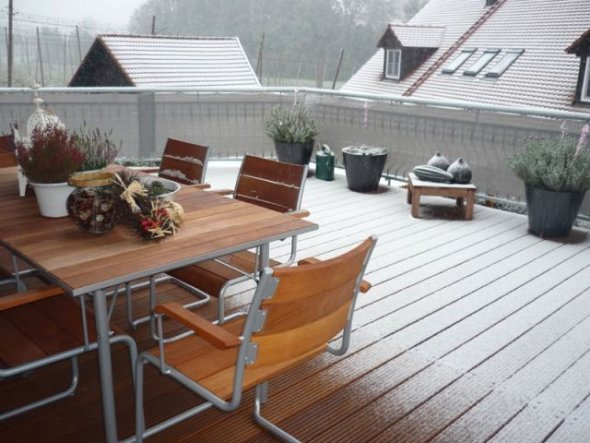 terrasse balkon 39 hilfe schnee im oktober 39 wohnen. Black Bedroom Furniture Sets. Home Design Ideas