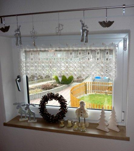 weihnachtsdeko 39 weihnachtsdeko im treppenhaus 39 wohnen unter 39 m dach zimmerschau. Black Bedroom Furniture Sets. Home Design Ideas