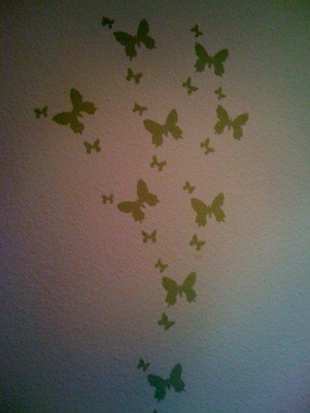 Ich hatte noch so viel Farbe übrig - da habe ich mich für die Schmetterline entschieden