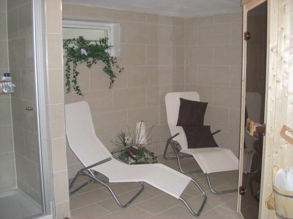 hobbyraum 39 sauna im keller 39 mein domizil zimmerschau. Black Bedroom Furniture Sets. Home Design Ideas