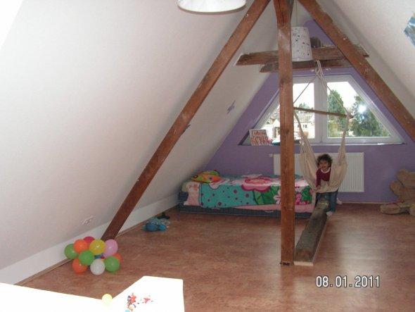 Kinderzimmer U0027kinderparadies Unterm Dachu0027 U2013 Mycastle U2013 Zimmerschau.  Download Image 590 X 443
