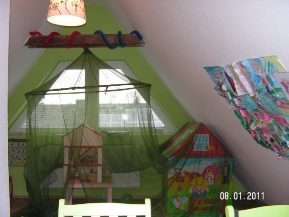 Kinderzimmer 'Kinderparadies unterm Dach'