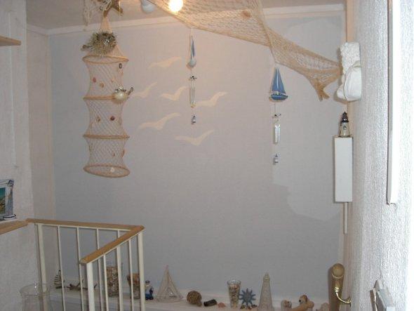 Die sechs weißen Möven an der Wand, stehen für unseren Hochzeitstag. Den 6. August.