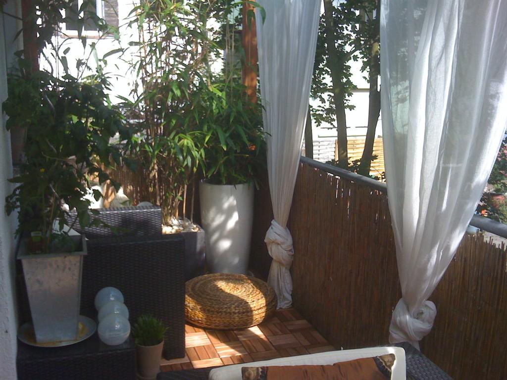 terrasse balkon 39 chillout lounge 39 mein domizil zimmerschau. Black Bedroom Furniture Sets. Home Design Ideas