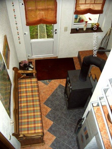 Blick von der oberen Treppe nach unten