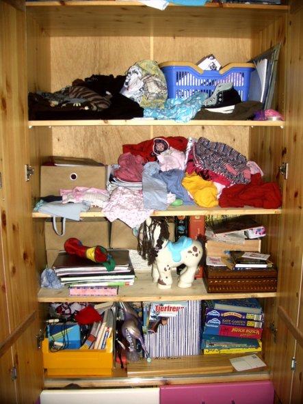 Das pure Chaos im Kleiderschrank meiner Jüngsten :-)