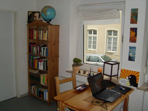 wohnzimmer 39 schlaf ess wohnzimmer 39 meine erste wohnung zimmerschau. Black Bedroom Furniture Sets. Home Design Ideas
