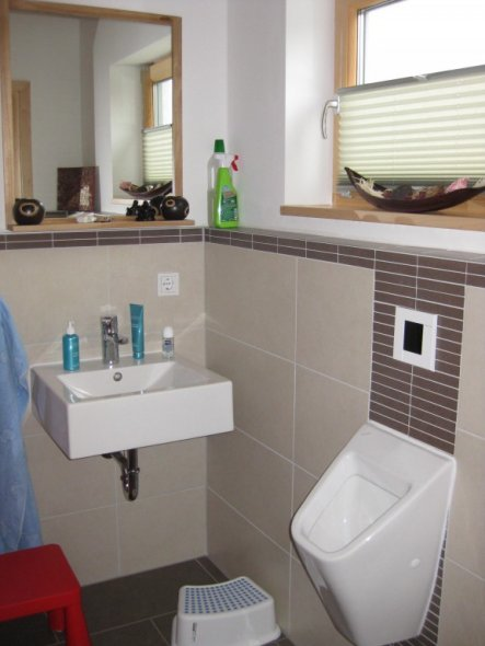 bad 39 g ste wc 39 unser neues haus zimmerschau. Black Bedroom Furniture Sets. Home Design Ideas
