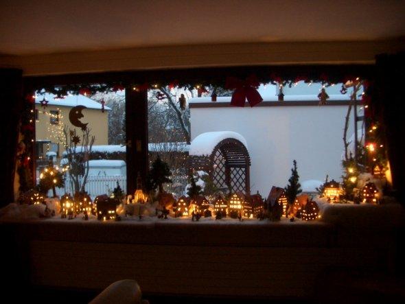 weihnachtsdeko 39 weihnachtsdorf 39 unser reich zimmerschau. Black Bedroom Furniture Sets. Home Design Ideas