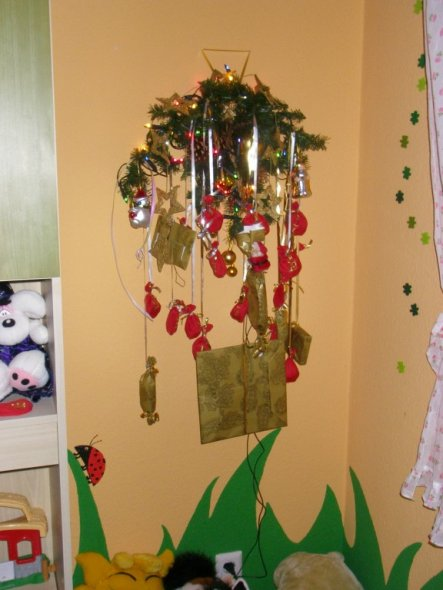 Emily´s Adventskalender...selbst gemacht und selbst gefüllt mit kleinen Geschenken und Schokolade natürlich...