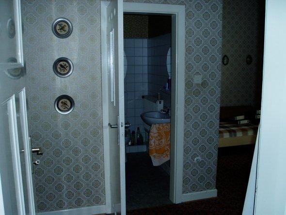 Badezimmer und ein Schlafraum